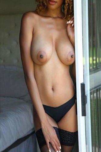 Viola Grey Sexy Busty Ebony Escort Sandton